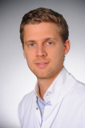 Dr. Grischa Bratke