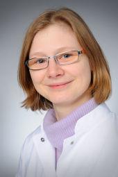 Dr. Carola Heneweer
