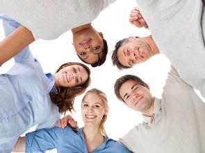 Freiwilliges Soziales Jahr in der Uniklinik Köln, Foto: Fotolia Andrey Popov