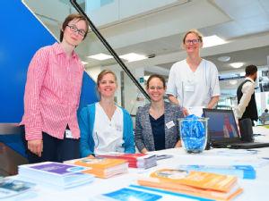 Das Team des Info-Stands bekam viel positive Resonanz zur Arbeit der Pflegekräfte an der Uniklinik Köln. Foto: Uniklinik Köln