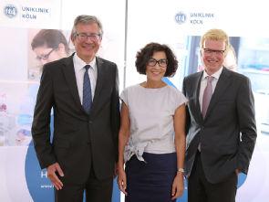 Erfolgreiches Geschäftsjahr 2016, v.l. Prof. Dr. Edgar Schömig, Vera Lux, Günter Zwilling, Foto: Uniklinik Köln
