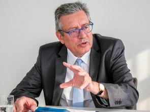 Univ.-Prof. Dr. Edgar Schömig, Foto: Günther Meisenberg/Kölnische Rundschau