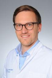 Dr. Julian Puppe