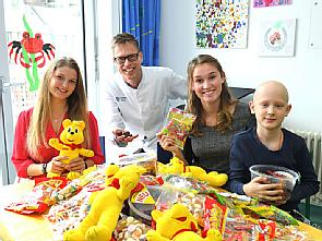 Bärchenstarke Aktion für kranke Kinder in der Kinderonkologie der Uniklinik Köln