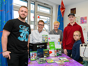 Gaming-Aid e.V. spendet Spielekonsolen für krebskranke Kinder in der Uniklinik Köln