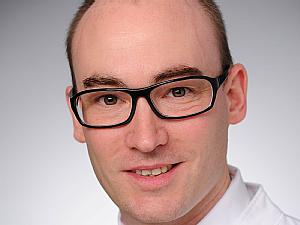 """Dr. Christoph Menzel in der Sektion """"Schock"""" der DIVI"""