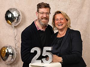 Pflege-Teamleiterin Katharina Ludwig-Stollenwerk mit ihrem Kollegen Michael Groß, Teamleiter der Intensivstation 1C.