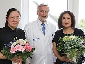 Prof. Dr. Schönau (Mitte) und zwei Ärztinnen aus dem Children's Hospital in Shenyang, Foto: Uniklinik Köln