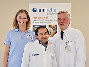 Brigitte Müller (Bc.PT), Priv.-Doz. Dr. Oliver Semler und Prof. Dr. Eckhard Schönau (v. l.) Foto: Uniklinik Köln