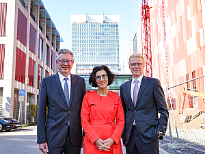 v.l. Univ.-Prof. Dr. Edgar Schömig, Vera Lux, Günter Zwilling, Foto: Uniklinik Köln