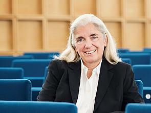 NRW-Kultur- und Wissenschaftsministerin Isabel Pfeiffer-Poensgen, Foto: MKW/Bettina Engel-Albustin