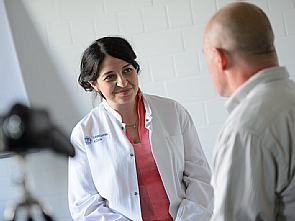 Beim Arzt-Patient-Gespräch, Foto: Uniklinik Köln