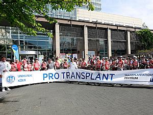 Zahlreiche Organtransplantierte nehmen teil, Foto: Dorothea Hensen
