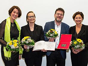 Das ausgezeichnete Team um Prof. Dr. Raymond Voltz, Foto: Hospiz- und Palliativzentrum Heinrich Pera / Ricarda Braun