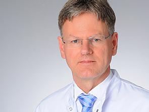 Prof. Dr. Dirk Stippel, Foto: Michael Wodak