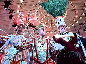Kölner Dreigestirn 2020: Jungfrau Griet, Prinz Christian II. und Bauer Frank, Foto: Festkomitee Kölner Karneval