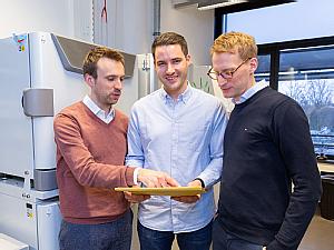 Dr. Henning Grüll, Dr. Philipp Schommers und Prof. Dr. Florian Klein (v.l.), Foto: Thies Schöning
