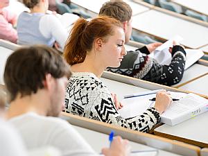 Studierende im Hörsaal, Foto: Christian Wittke