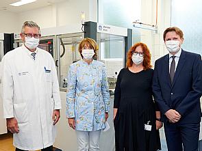 Prof. Dr. Edgar Schömig, Henriette Reker, Heike Rech und Damian Grüttner (v.l.), Foto: Michael Wodak