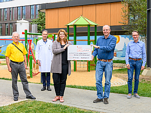 Hermann-Josef Schlupp, Univ.-Prof. Dr. Jörg Dötsch, Anna Fischer, Dr. rer. medic. Christoph Düchting und Frank Lütten, v.l., Foto: Michael Wodak