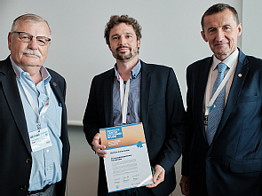 Ernst-Günther Carl (BPS), Prof. Dr. David Pfister (Uniklinik Köln) und Prof. Dr. Dr. h.c. Arnulf Stenzl (DGU) (v.l.), Foto: Bertram Solcher