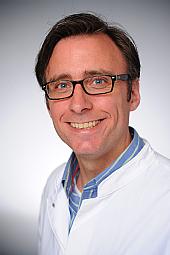 Dr. Jan-Oliver Staak