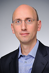 Prof. Dr. Sascha Fauser