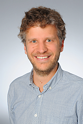 Dr. Daniel Giese