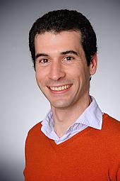 Dr. Javier Subirás