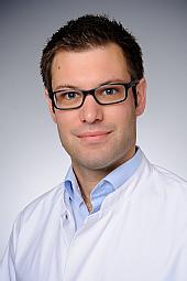 Dr. Jörn Henze
