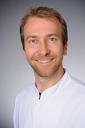 Dr. Matti Adam
