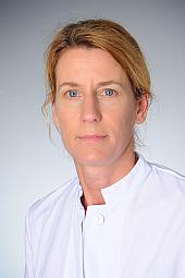Dr. Carla Oelgeschläger
