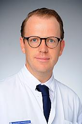 Priv.-Doz. Dr. Max J. Scheyerer