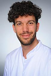 Dr. Claas Gloistein
