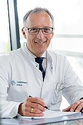 Univ.-Prof. Dr.--Thomas-Benzing