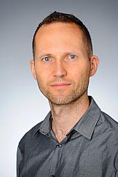Dr. Robert Bindermann