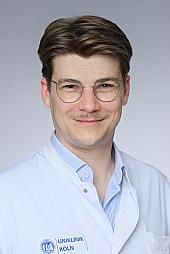 Dr. Kai Laukamp