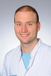 Dr. Christian Nelles