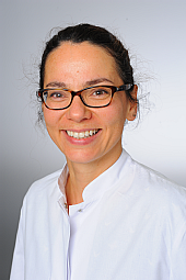 Dr. Nora Weiduschat