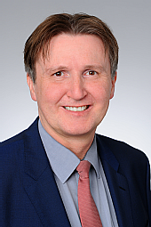 Damian Grüttner