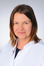 Dr. Claudia Hohmann