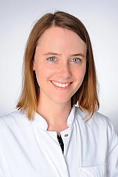 Dr. Janine Böll