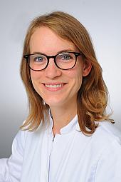 Dr. Anna Sauerbier