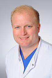 Dr. Tobias Tichelbäcker