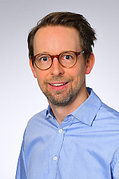 Dr. Arne Bartol