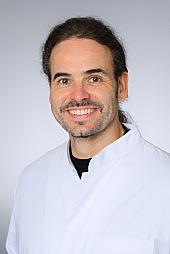 Univ.-Prof. Dr. rer. nat. Cornelius Courts