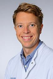 Dr. Alexander Simonis