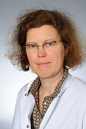 Dr. Julia Fricke